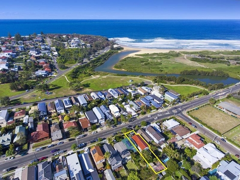 8 Griffin Road North Curl Curl, NSW 2099