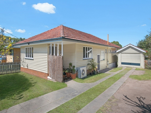 15 Myall Street Norman Park, QLD 4170
