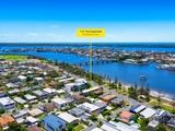 1/112 The Esplanade Paradise Point, QLD 4216