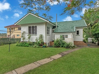 68 Price Street Oxley , QLD, 4075