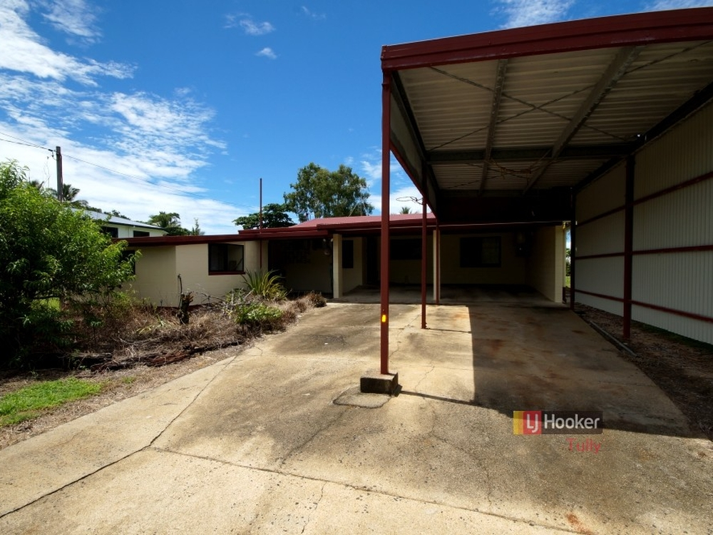 52 Luff Street Hull Heads, QLD 4854