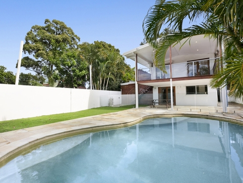 8 Ridgeway Avenue Southport, QLD 4215