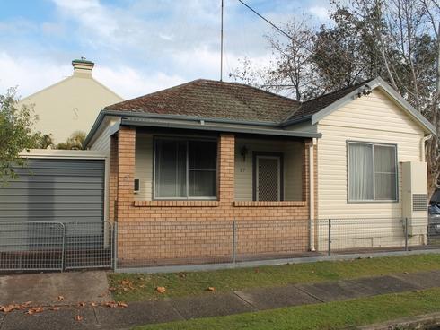 27 Lindsay Street Hamilton, NSW 2303