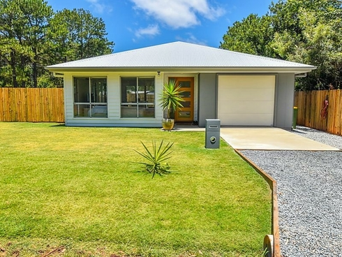 114 Kings Road Russell Island, QLD 4184