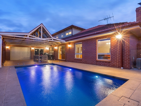 18 Snowbush Terrace Point Cook, VIC 3030