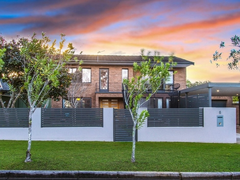6 Waterside Close Point Clare, NSW 2250