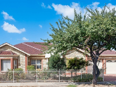 15 Balcombe Avenue Findon, SA 5023