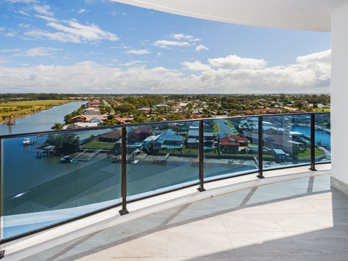 3901/5 Harbour Side Biggera Waters, QLD 4216