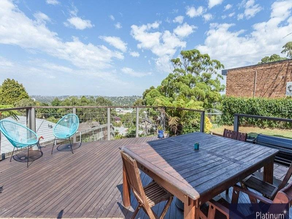 19 Kendal Crescent Wheeler Heights, NSW 2097