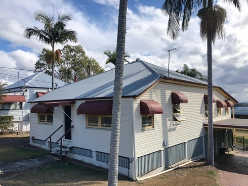 8 William Street Bundamba, QLD 4304