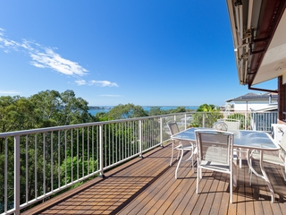 13 Ealing Crescent Fishing Point , NSW, 2283