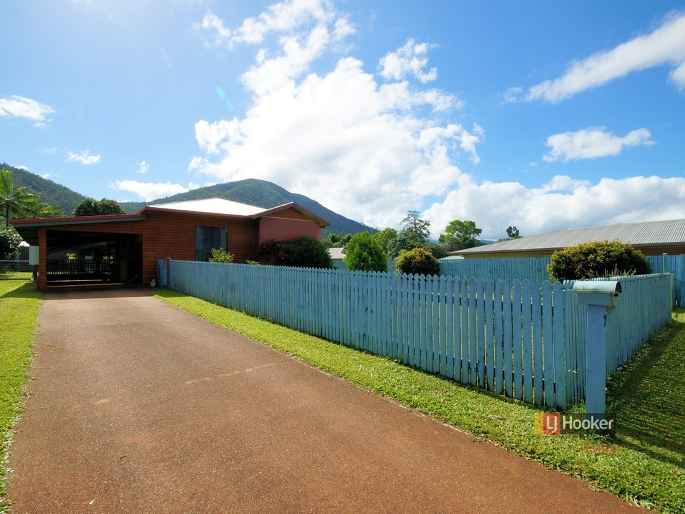7 Dore Street Tully, QLD 4854