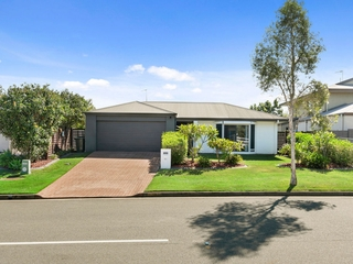 33 Cobb & Co Drive Oxenford , QLD, 4210