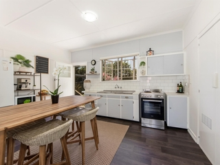 4 Cambridge Street Silkstone , QLD, 4304