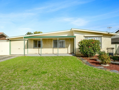 17 Langley Road Mccracken, SA 5211