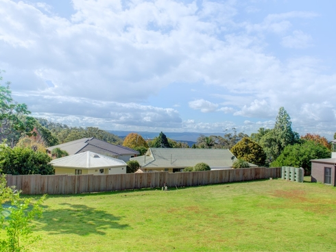 1B & 3 MacQueen Street Mount Lofty, QLD 4350