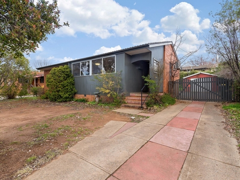35 Macalister Crescent Curtin, ACT 2605