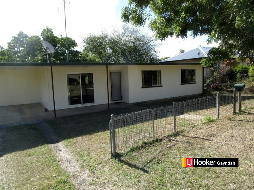 7 Station Street Gayndah, QLD 4625