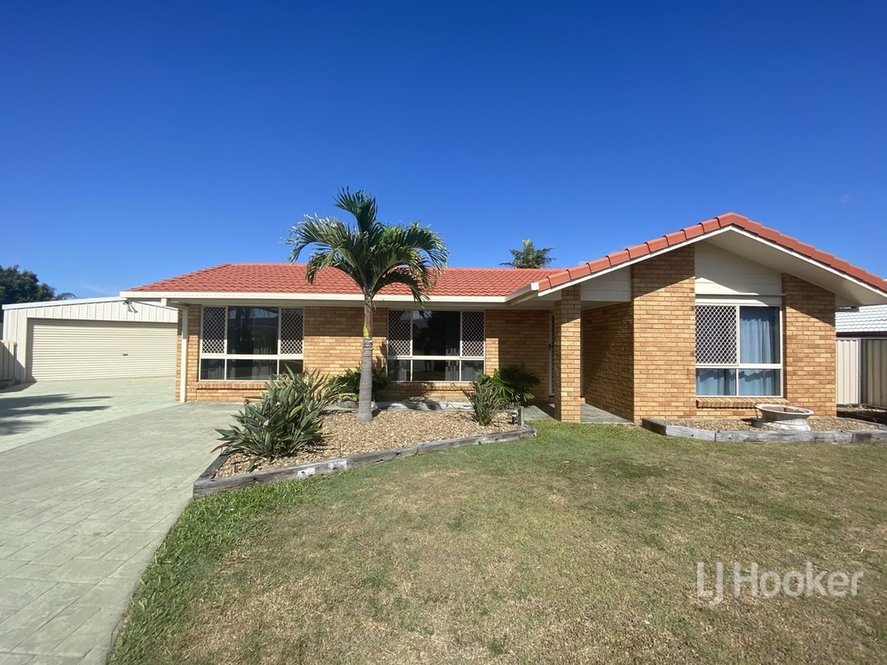 8 Day Place Sandstone Point, QLD 4511