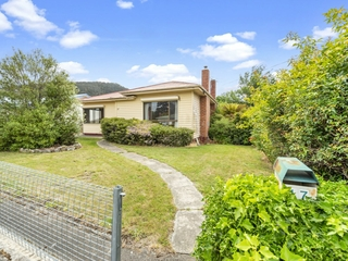 17 Fourth Avenue New Norfolk , TAS, 7140