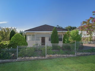 8 Sixth Street Cardiff South , NSW, 2285