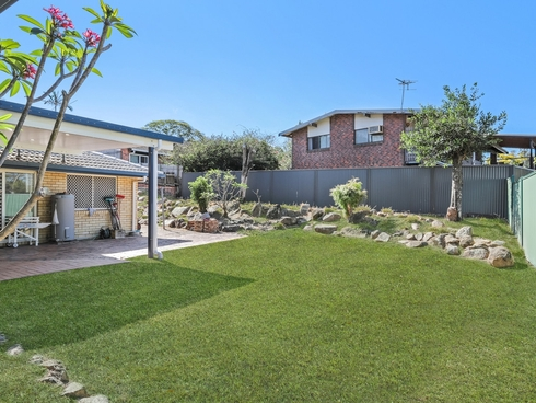 4 Calypso Court Eatons Hill, QLD 4037