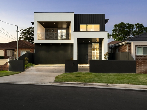 54 Endeavour Road Georges Hall, NSW 2198