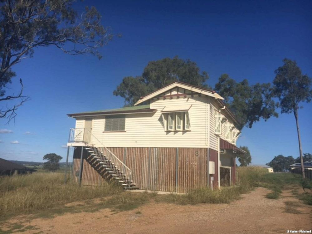 3 Baltzer Court Grantham, QLD 4347