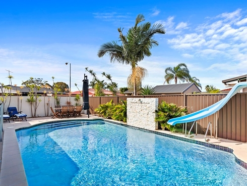 18 Dabchick Drive Burleigh Waters, QLD 4220
