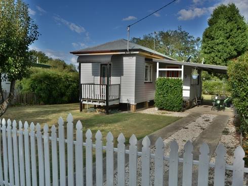 44a Stewart Avenue Warwick, QLD 4370