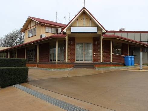 17 Kitchener Street East Toowoomba, QLD 4350