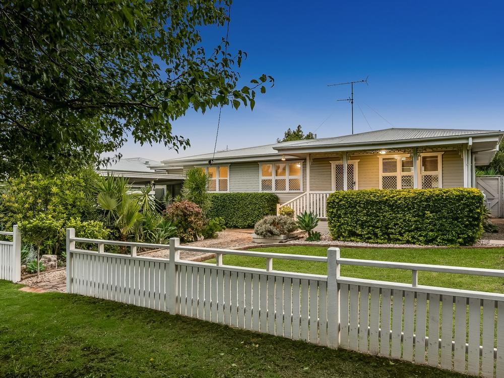 26 Tomkinson Street Wilsonton, QLD 4350
