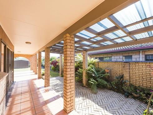 12 Ballanda Crescent Iluka, NSW 2466