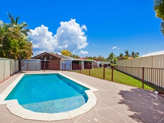 5 Leafy Close Burleigh Waters , QLD, 4220