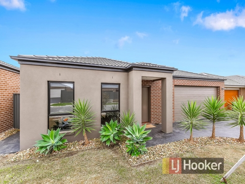 4 Clarence Place Cranbourne East, VIC 3977