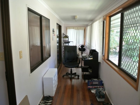 16 Derwent Street Macleay Island, QLD 4184