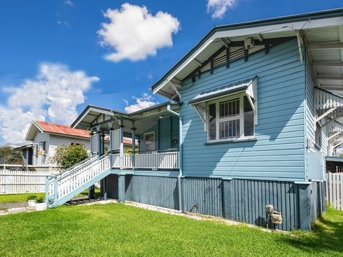49 Archibald Street Fairfield, QLD 4103
