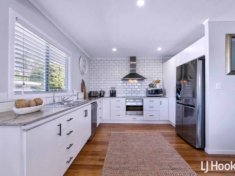17 Fraser Street Kippa-Ring, QLD 4021