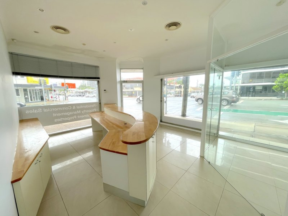 1/142 Scarborough Street Southport, QLD 4215