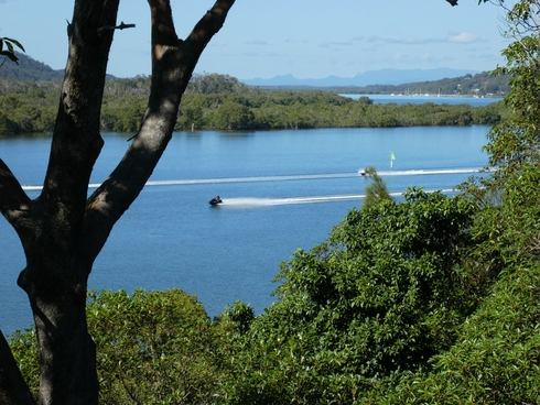 70 Oasis Drive Russell Island, QLD 4184