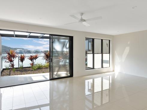 4 Promenade Circuit Hope Island, QLD 4212