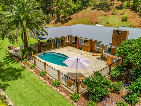 19 Pemberton Close Mount Nathan, QLD 4211