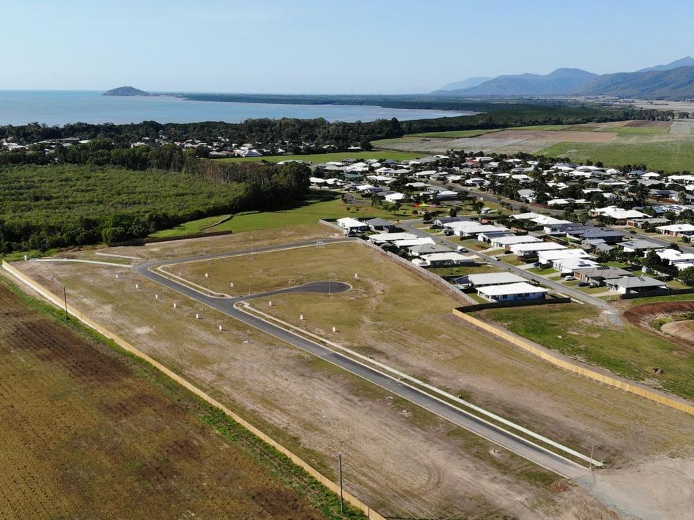 50 Barrbal Drive Cooya Beach, QLD 4873