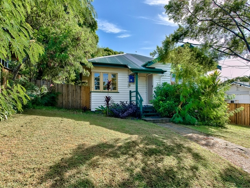 44 Dorrigo Street Stafford Heights, QLD 4053