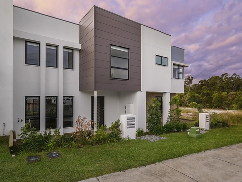 1/262/8 Banksia Road Coomera, QLD 4209