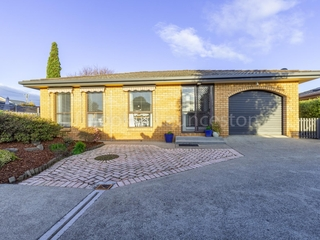 2/14 Country Club Avenue Prospect Vale, TAS 7250