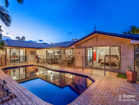 14 Cleveland Place Stretton, QLD 4116