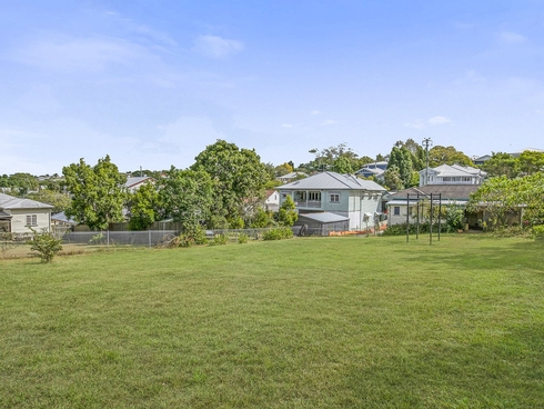 87A Plimsoll Street Greenslopes, QLD 4120