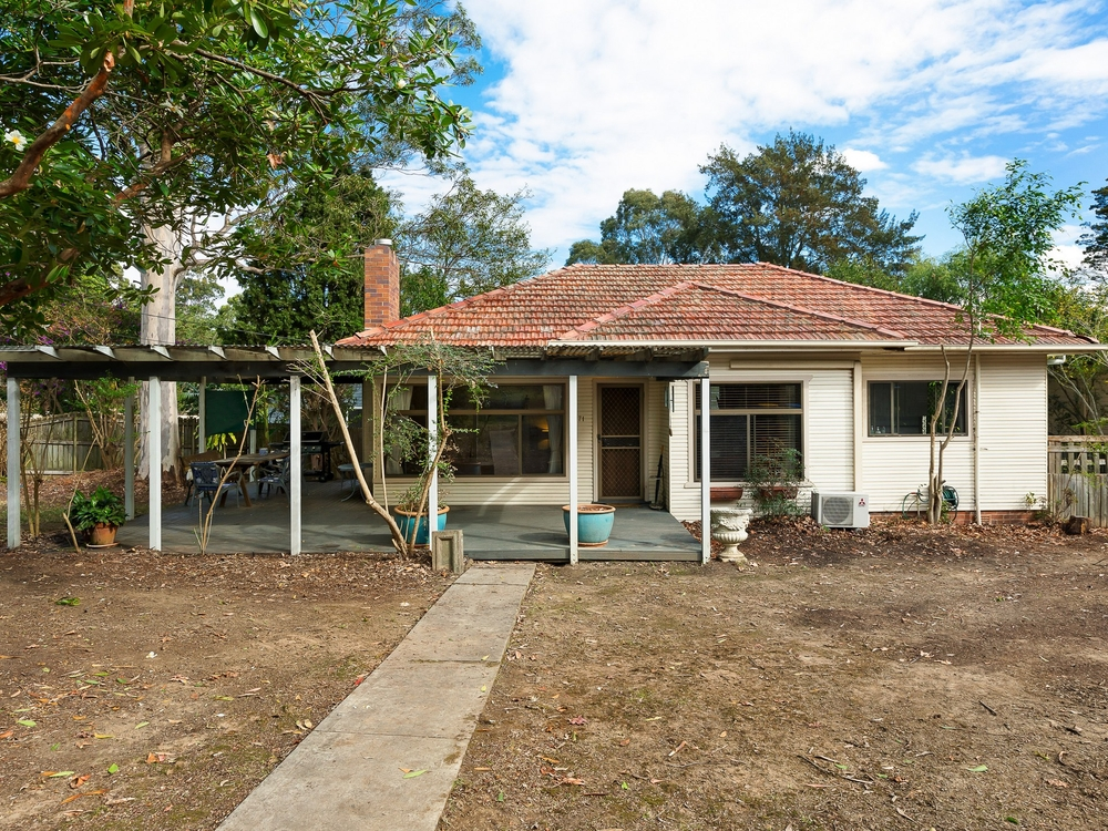 71 Wallalong Crescent West Pymble, NSW 2073