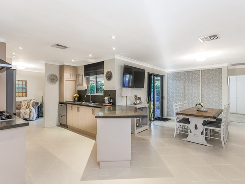 30 Donald Drive Safety Bay, WA 6169